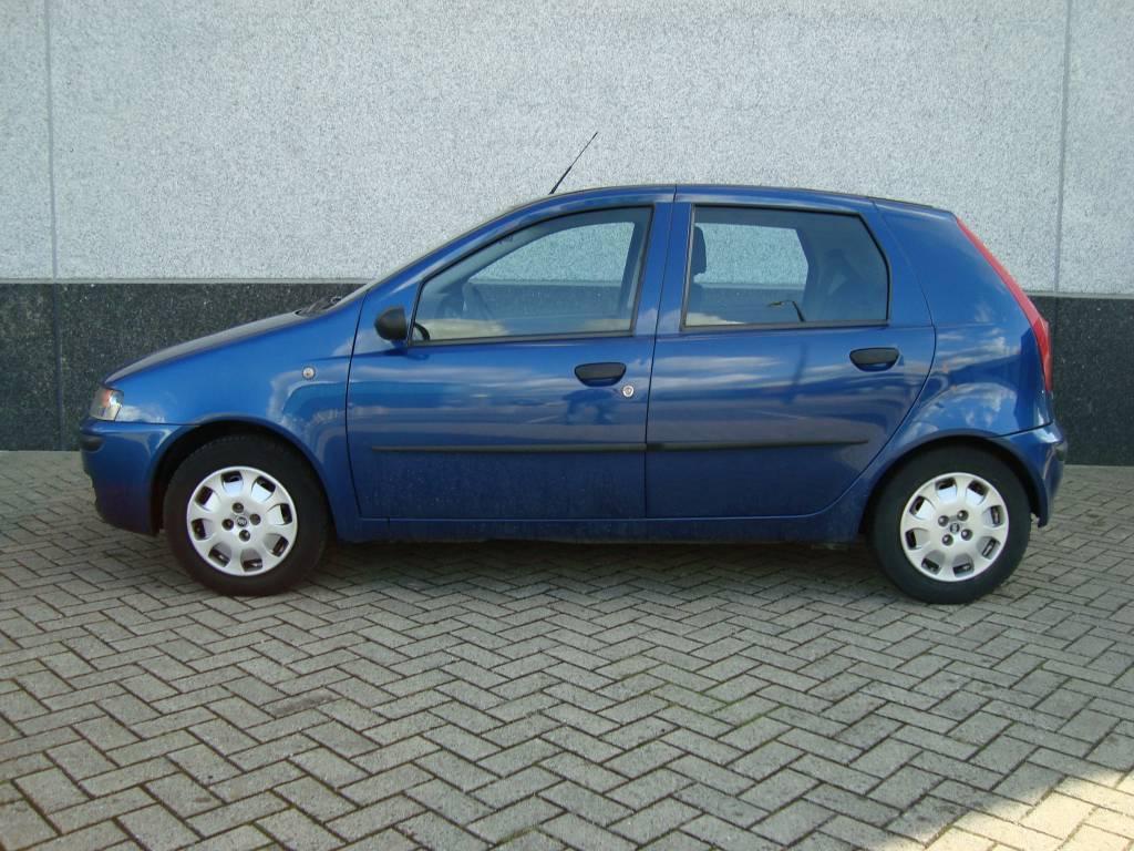 Spiksplinternieuw Fiat Punto 1.2 ELX Blauw – Airco, 5 deurs – Autobedrijf Dick van ZI-43