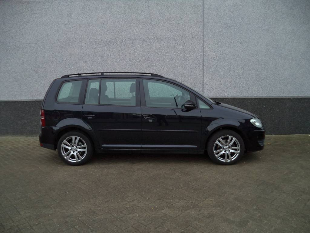 volkswagen touran 1 4 tsi comfortline benzine 2010. Black Bedroom Furniture Sets. Home Design Ideas